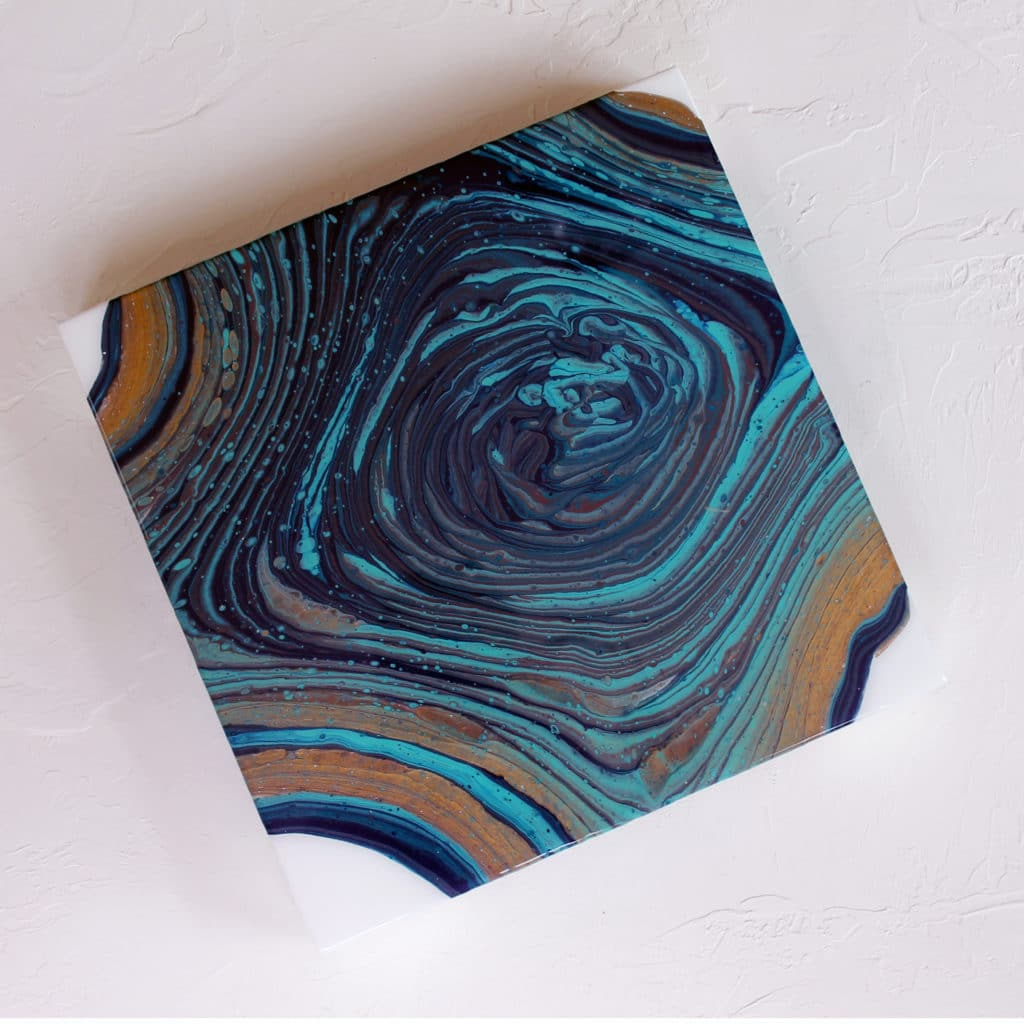 Acrylic Pouring Tree Rings blue